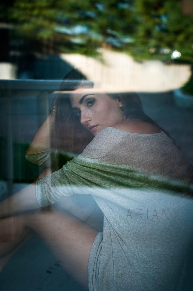 photographie derrière une vitre