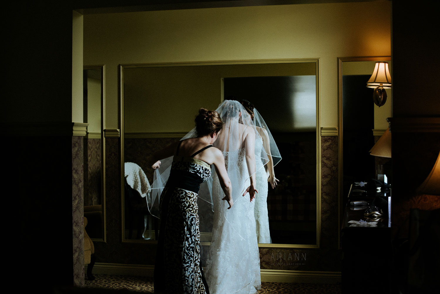 bride getting ready in quebec