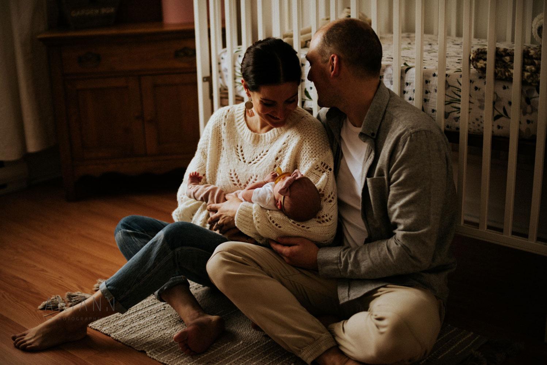 portrait de famille avec nouveau-né